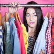 Porządki w garderobie, czyli przygotuj szafę na ciepłe dni